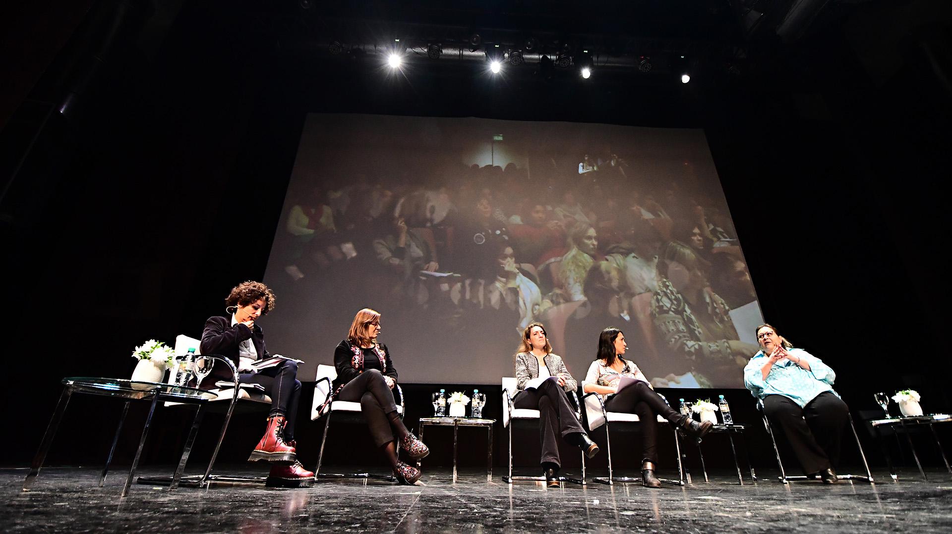 Primer panel: Violencia de Género y Políticas Públicas en la Argentina. Marta Dillón, Silvia Gabriela Lommi, Mariela Labozzeta, Graciana Peñafort