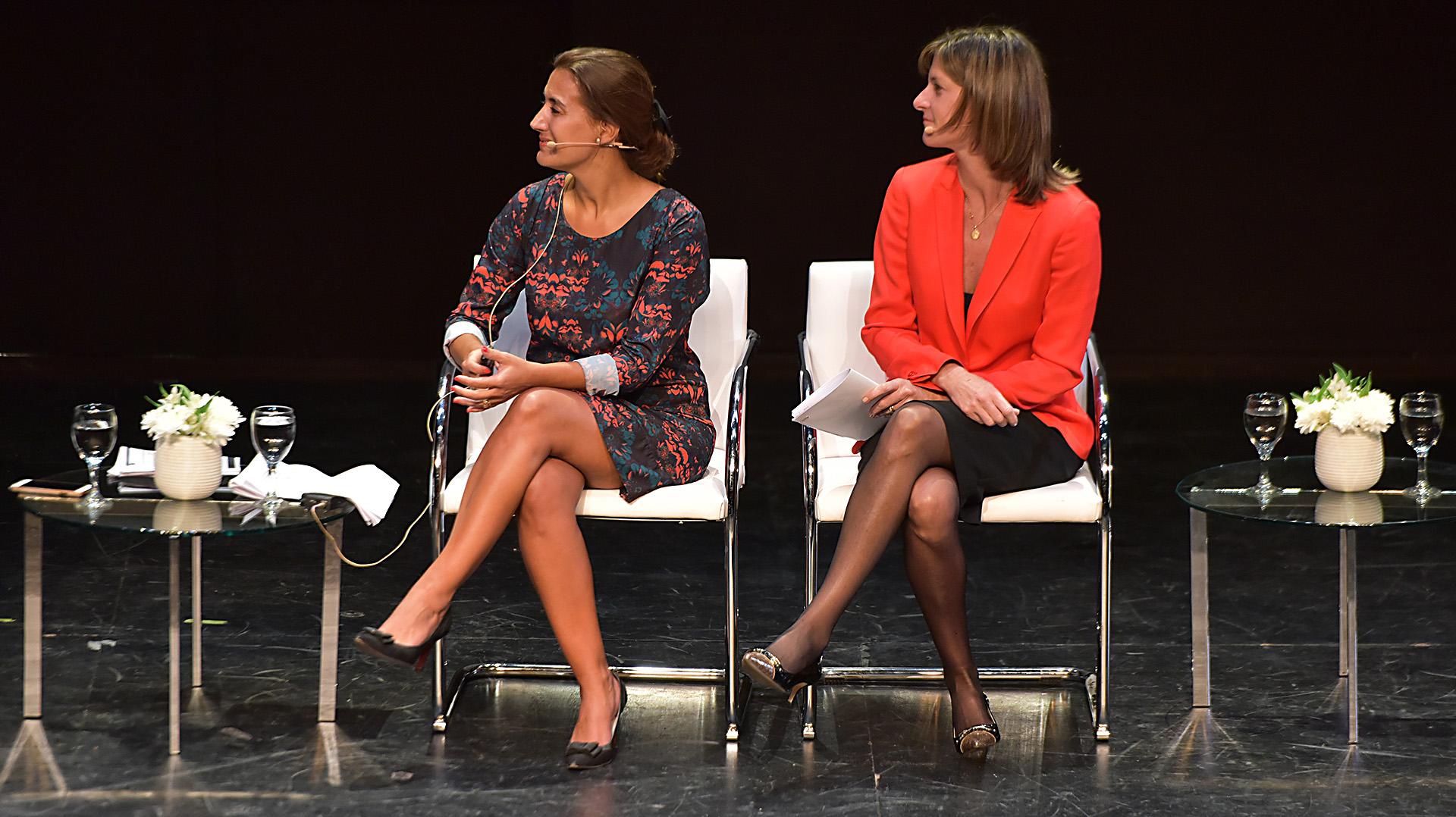 María Marta Talice, abogada de la Fundación Flor, y María José Gómez, directora para Latinoamérica y Canadá de Novartis