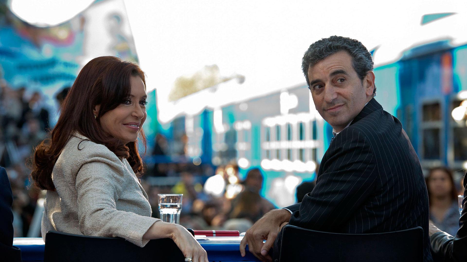 Cristina y Randazzo calientan la interna del PJ en la etapa preelectoral (NA)