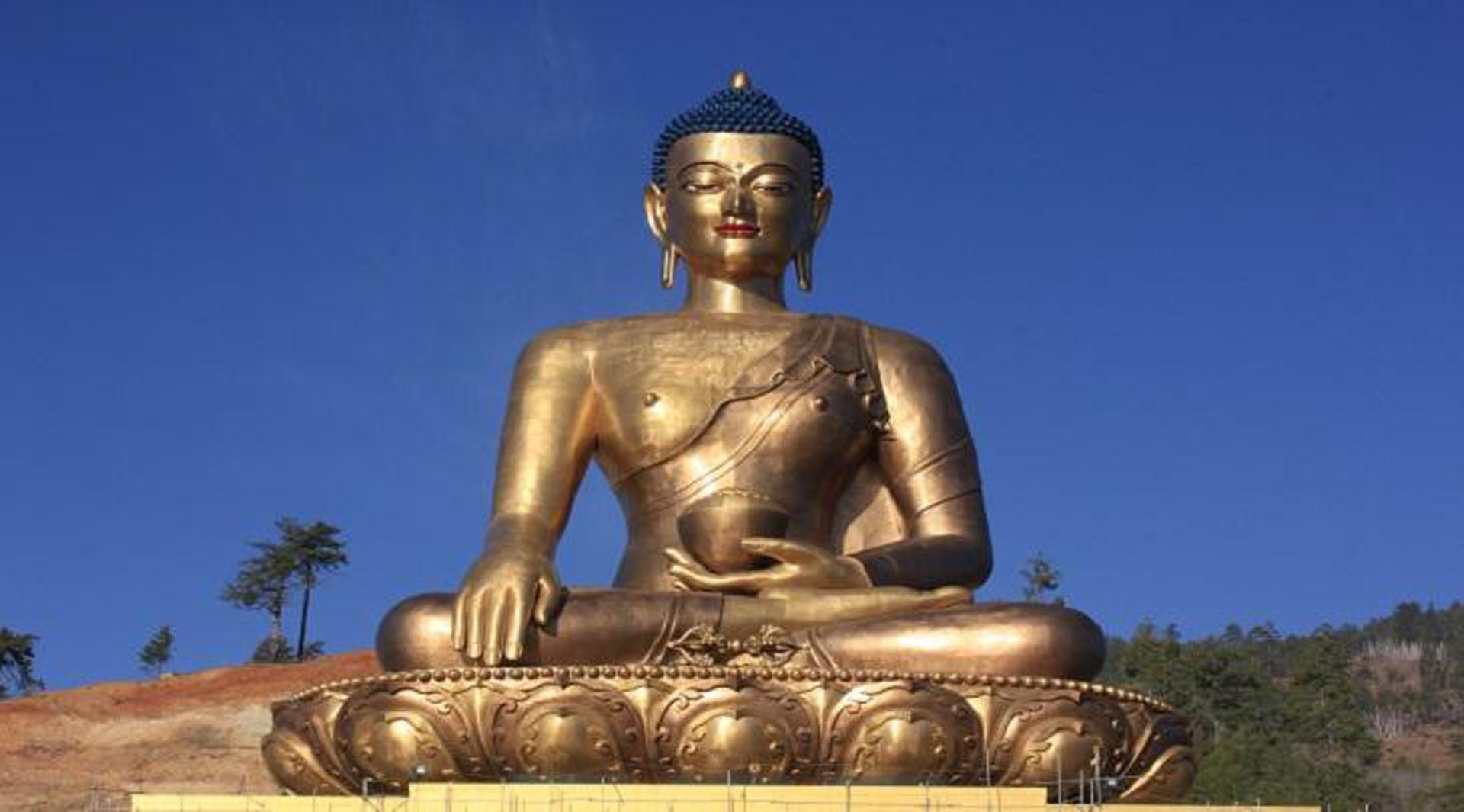 El Buddha Dordenma, realizado en Oro, es una de las reliquias del país