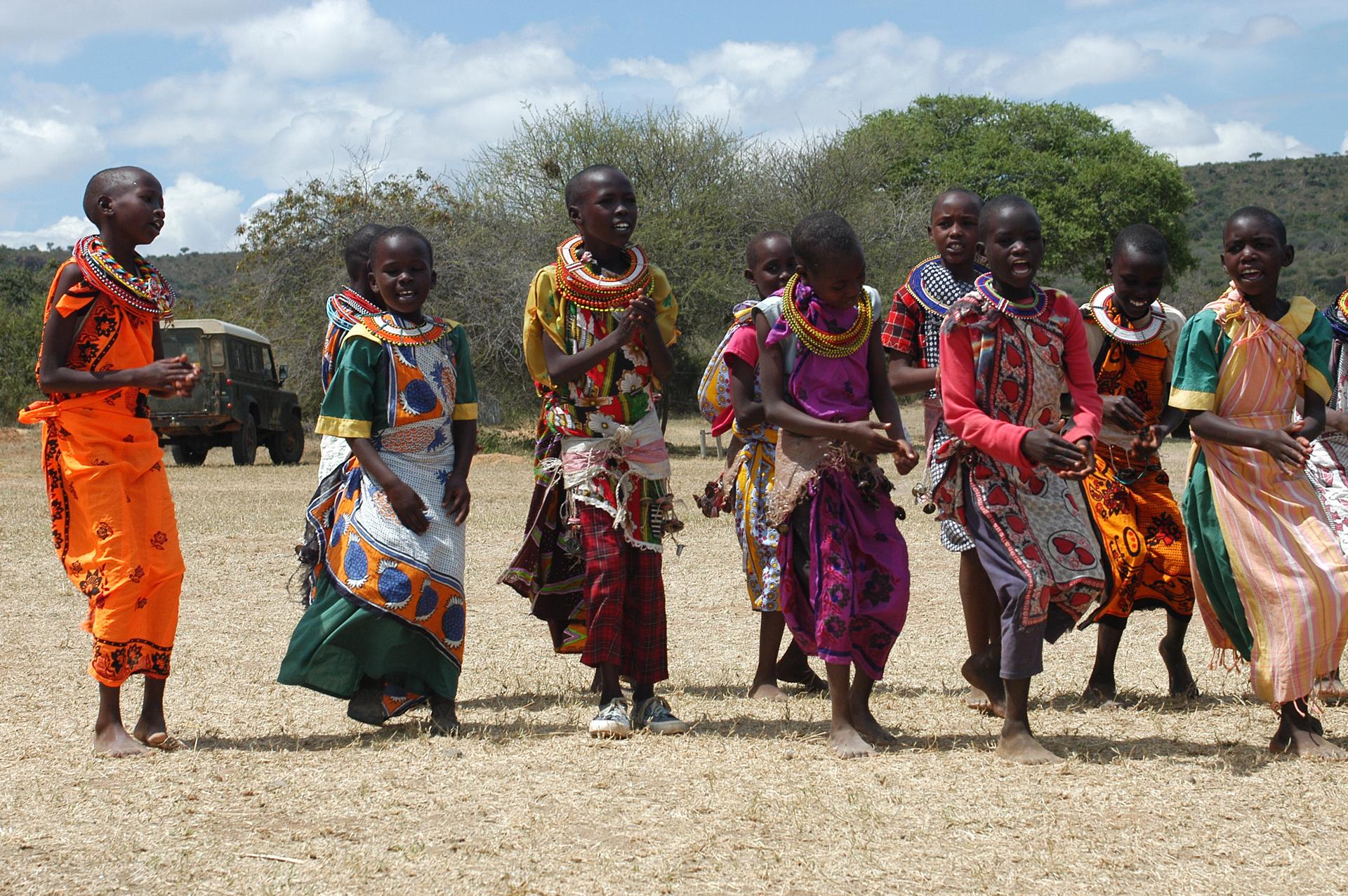 Predomina el pueblo Suajili y en el norte existen varias comunidades de pastoreo