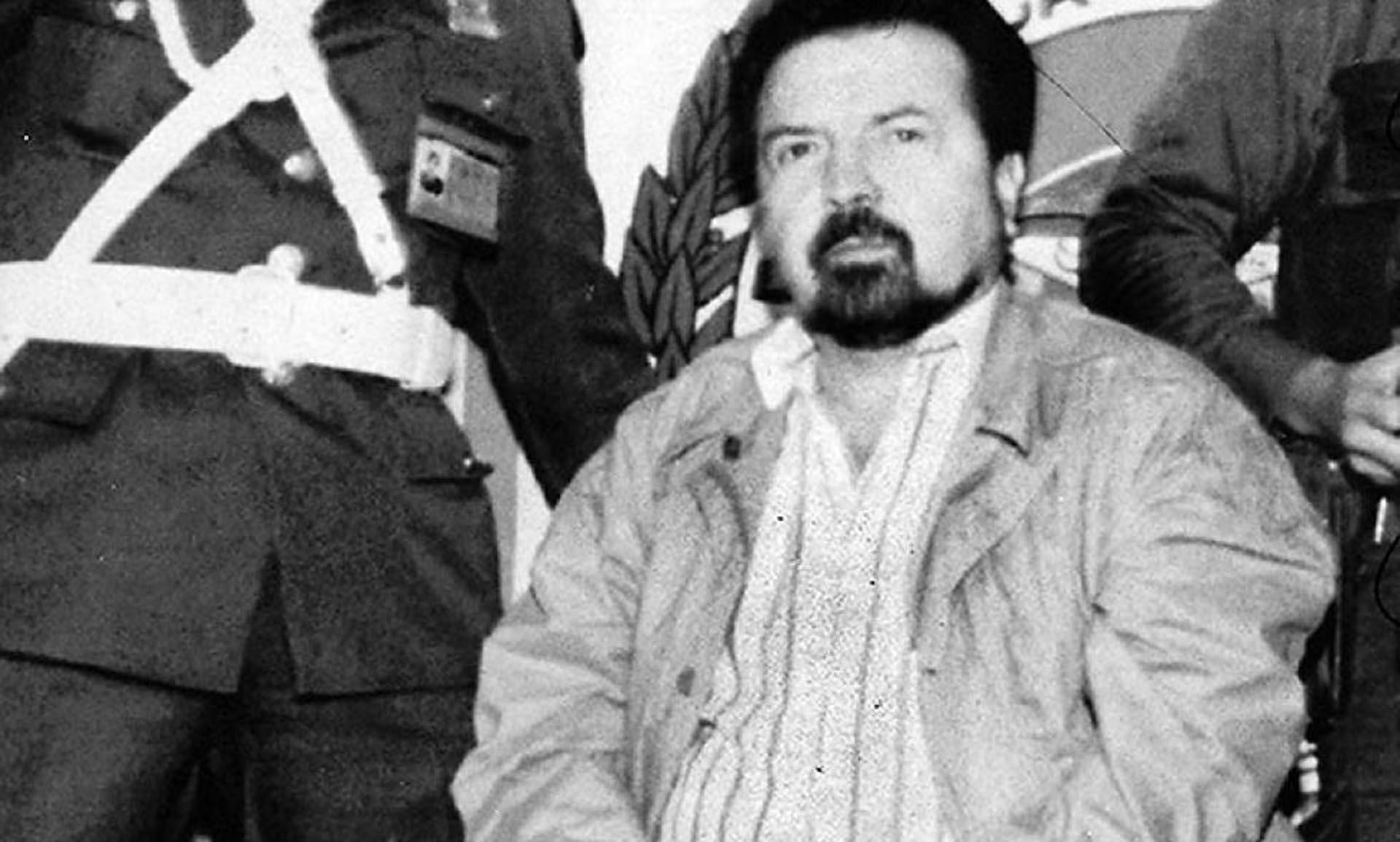 """Gilberto Rodríguez Orejuela se inició en el tráfico de medicamentos y montó su propia cadena de farmacias y droguerías. Luego fundó lo que se conoció como el Cártel de Cali que se enfrentaría con el de Medellín por el control de la cocaína. Se lo conocía como """"El Ajedrecista"""""""