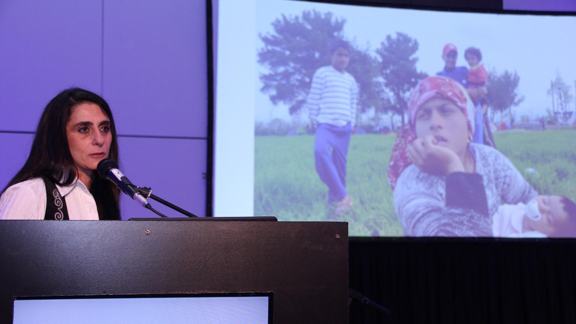 Araz Hadjian, voluntaria y fotógrafa argentina, expuso sus experiencias y sus imágenes en el Congreso de Profesionales de la Salud Armenios (Francesco Garabello)
