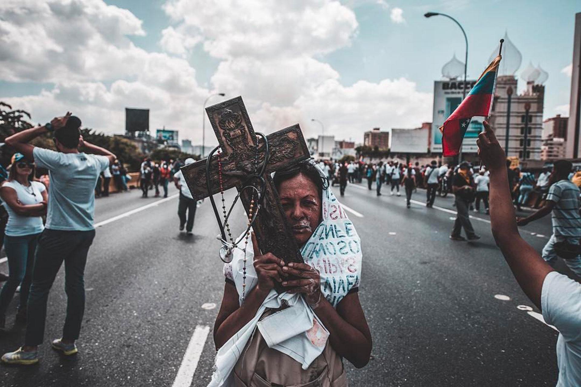 """""""Fuerza y Fe por VENEZUELA #8A"""" (fotos: Francisco Rizquez)"""