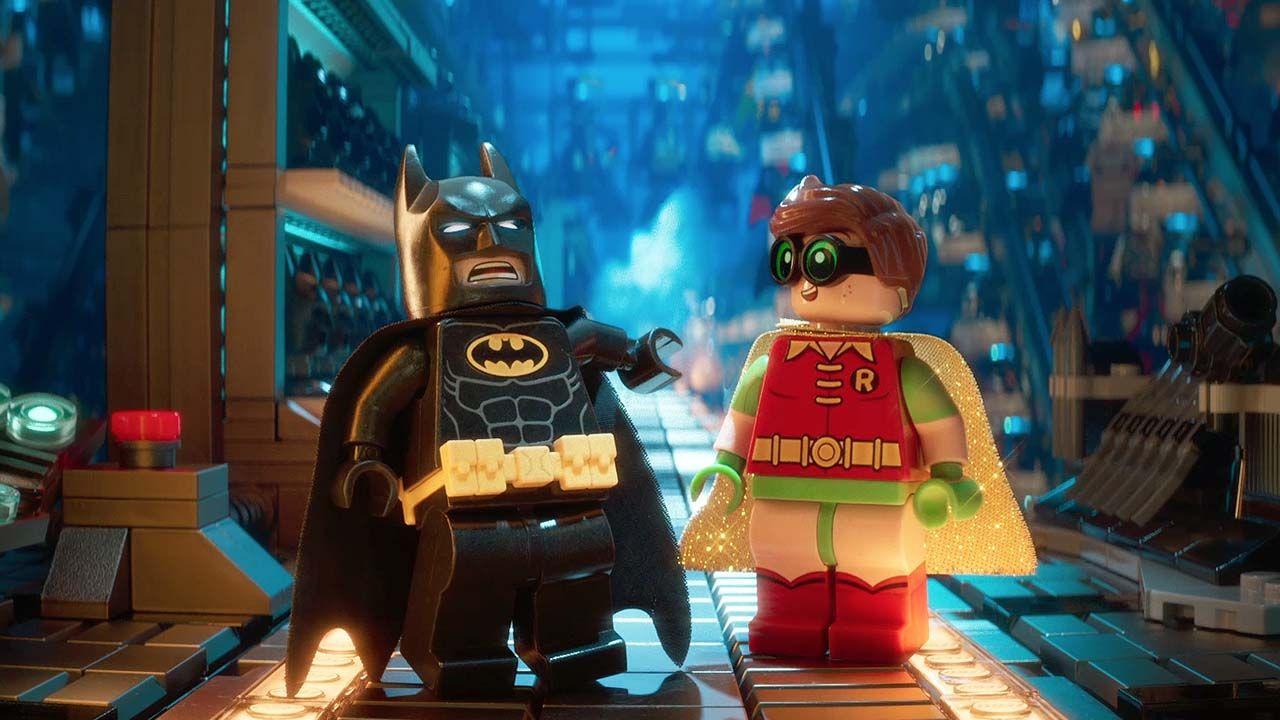 Los actores Will Arnett y Michael Cera cantan en la película.