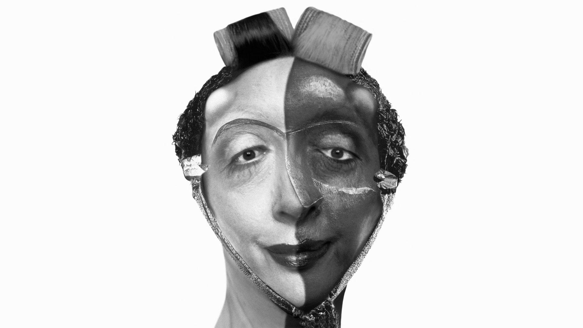 Las obras de ORLAN buscan reproducir modelos de belleza