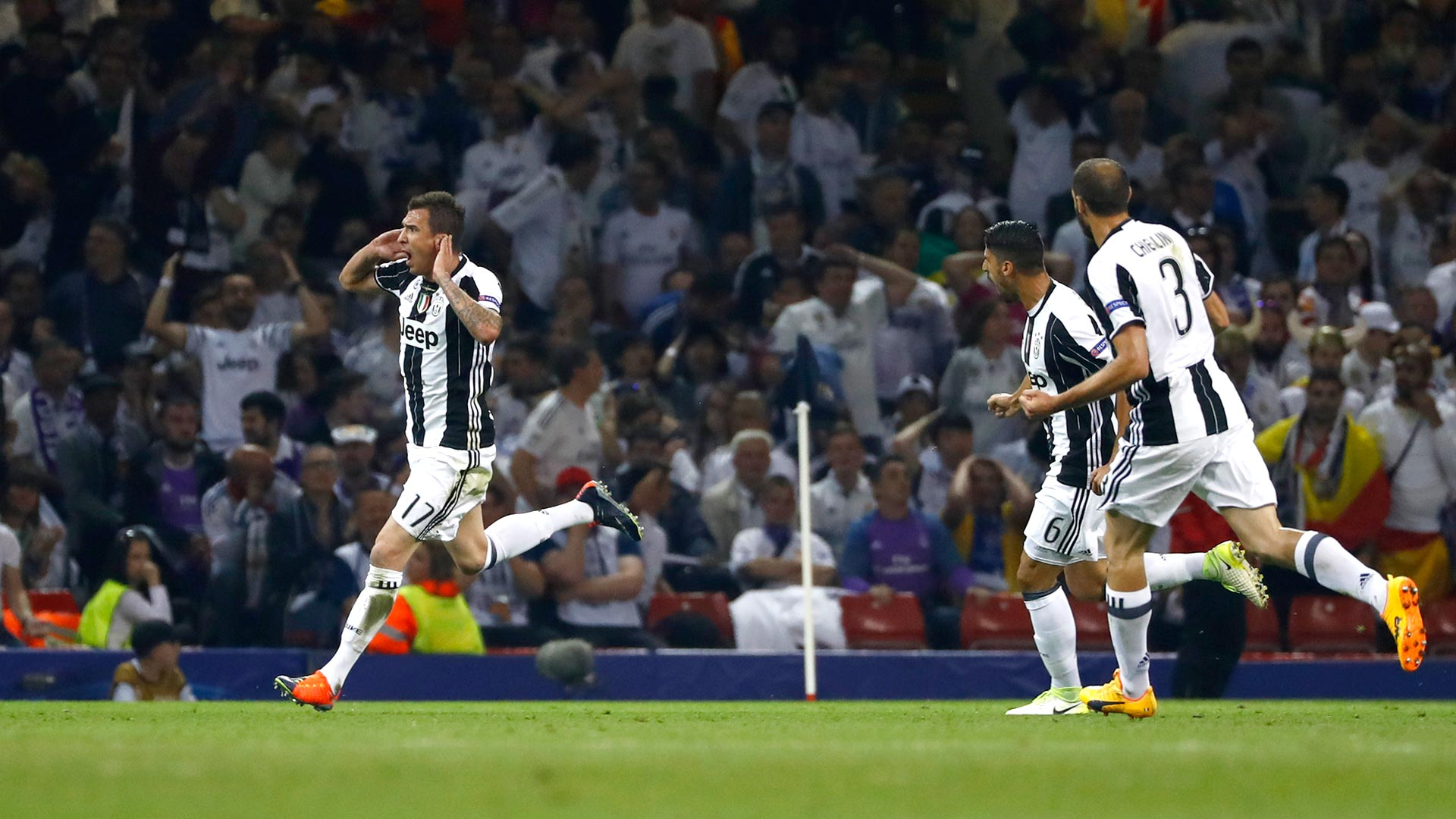 Mario Mandzukic fue el autor del empate en el final de la Champions League (Reuters)