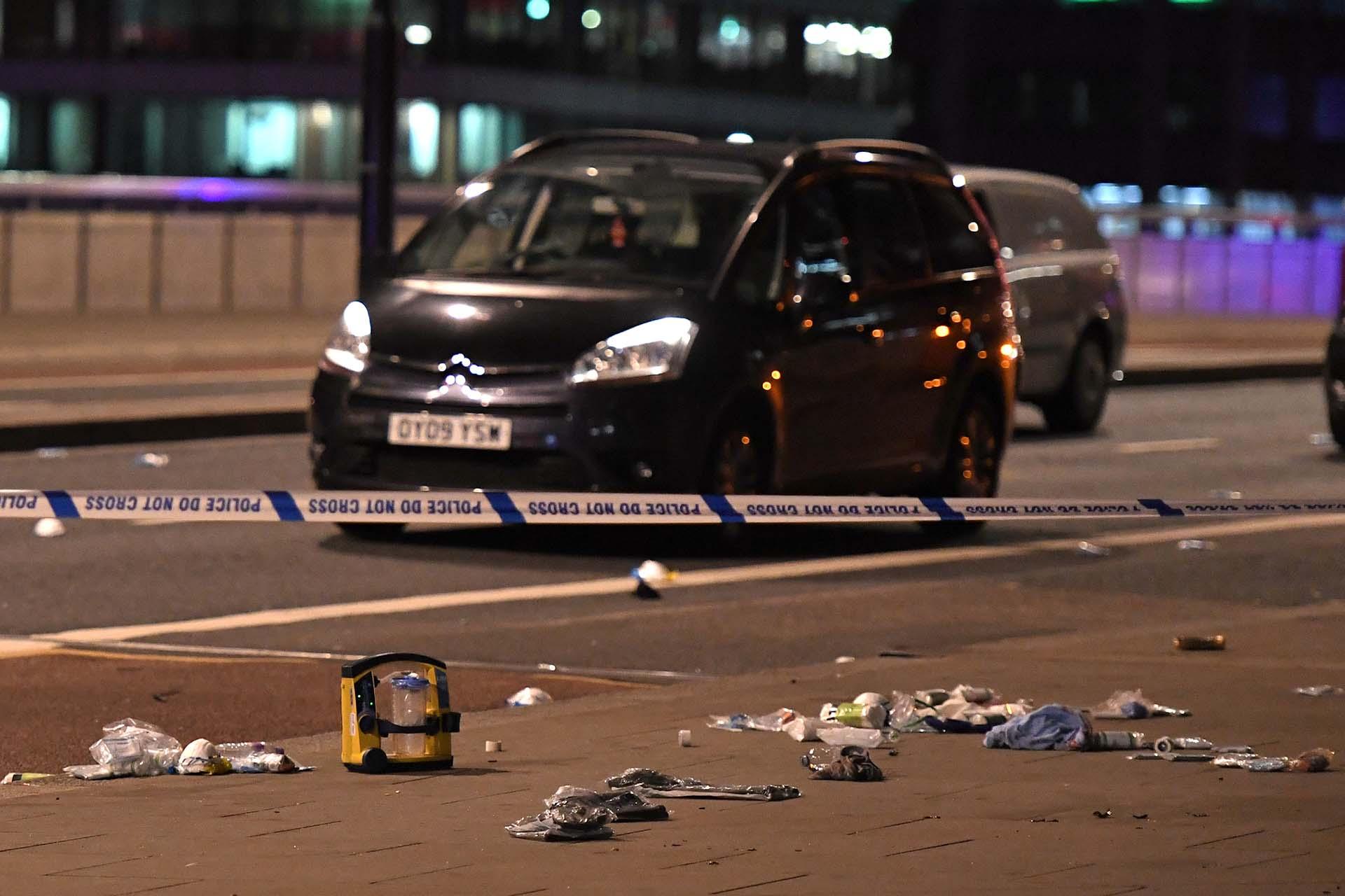 El doble atentado en Londres dejó al menos un muerto (AFP PHOTO)