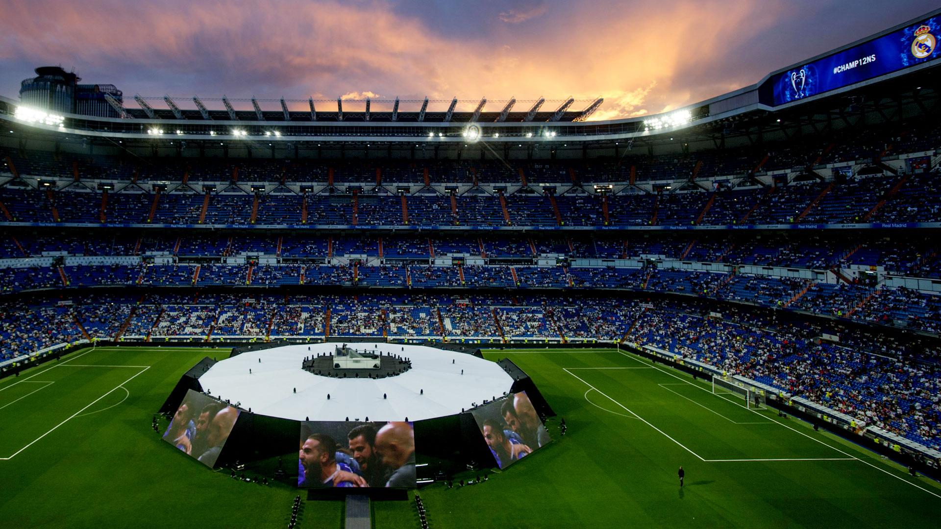 Tras los festejos en la ciudad, la celebración se mudó al Santiago Bernabéu