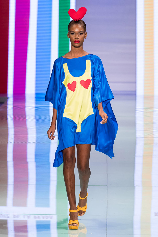 Remeron XL /Vestido azul eléctrico con estampado de traje de baño enterizo