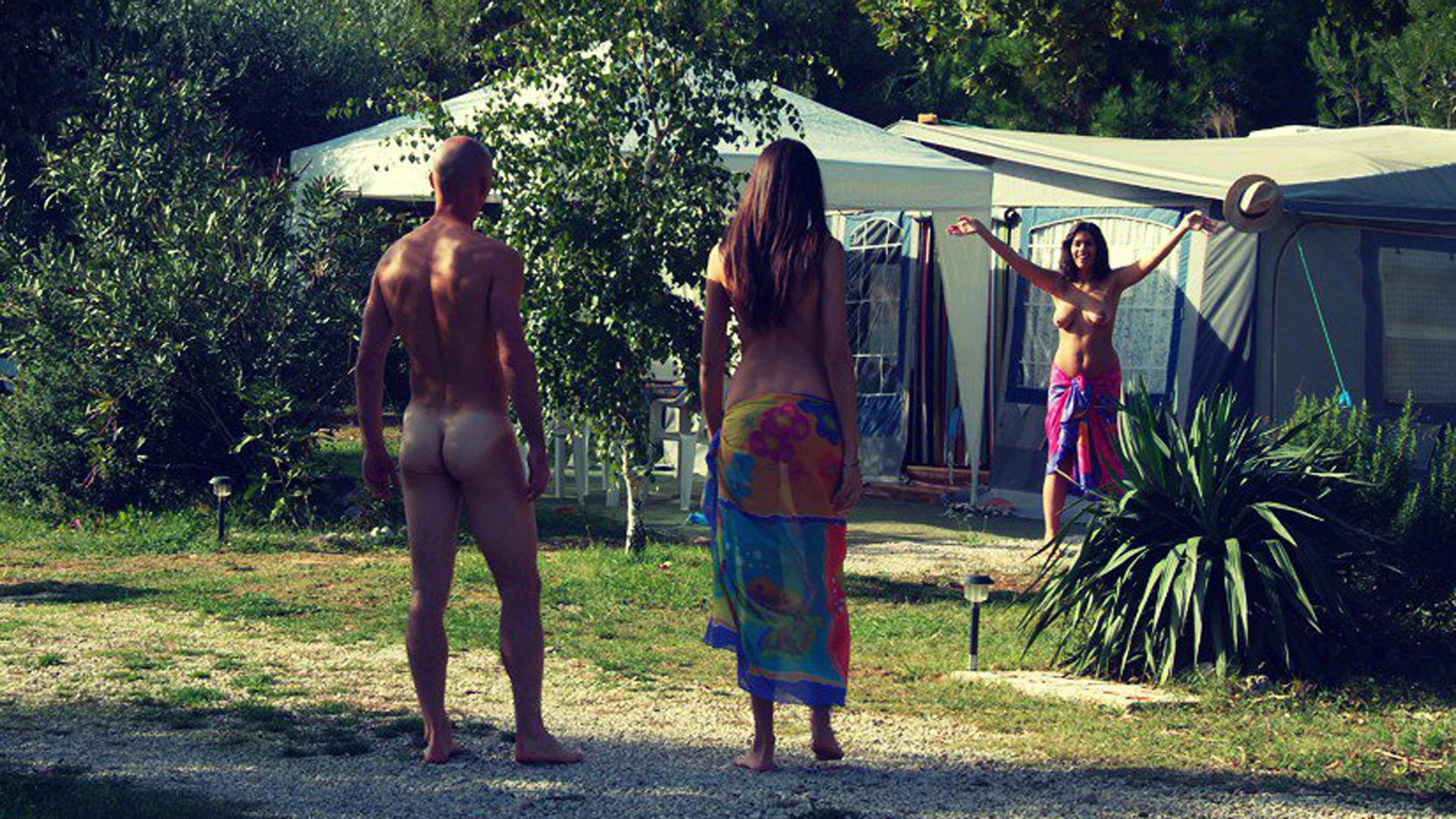 La ciudad permite el desnudo también fuera de sus playas