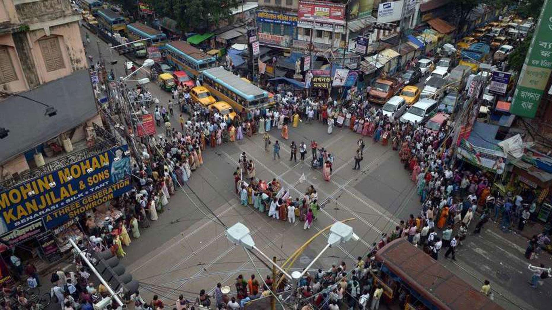Conmoción en la India por la violación grupal a una niña de 20 años y el asesinato de su bebé de nueve meses