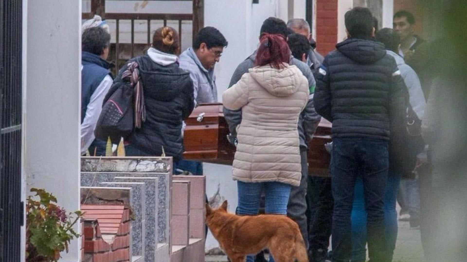 El último adiós a Alejandra y a Amir (www.eltribuno.info)