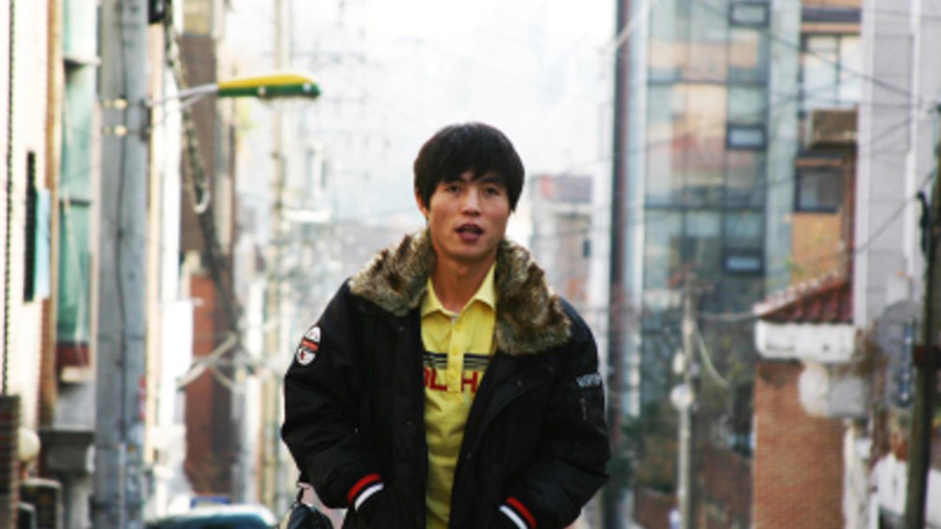Shin Dong-hyuk, el único norcoreano que se conoce que nació en un campo de detención y logró escapar.