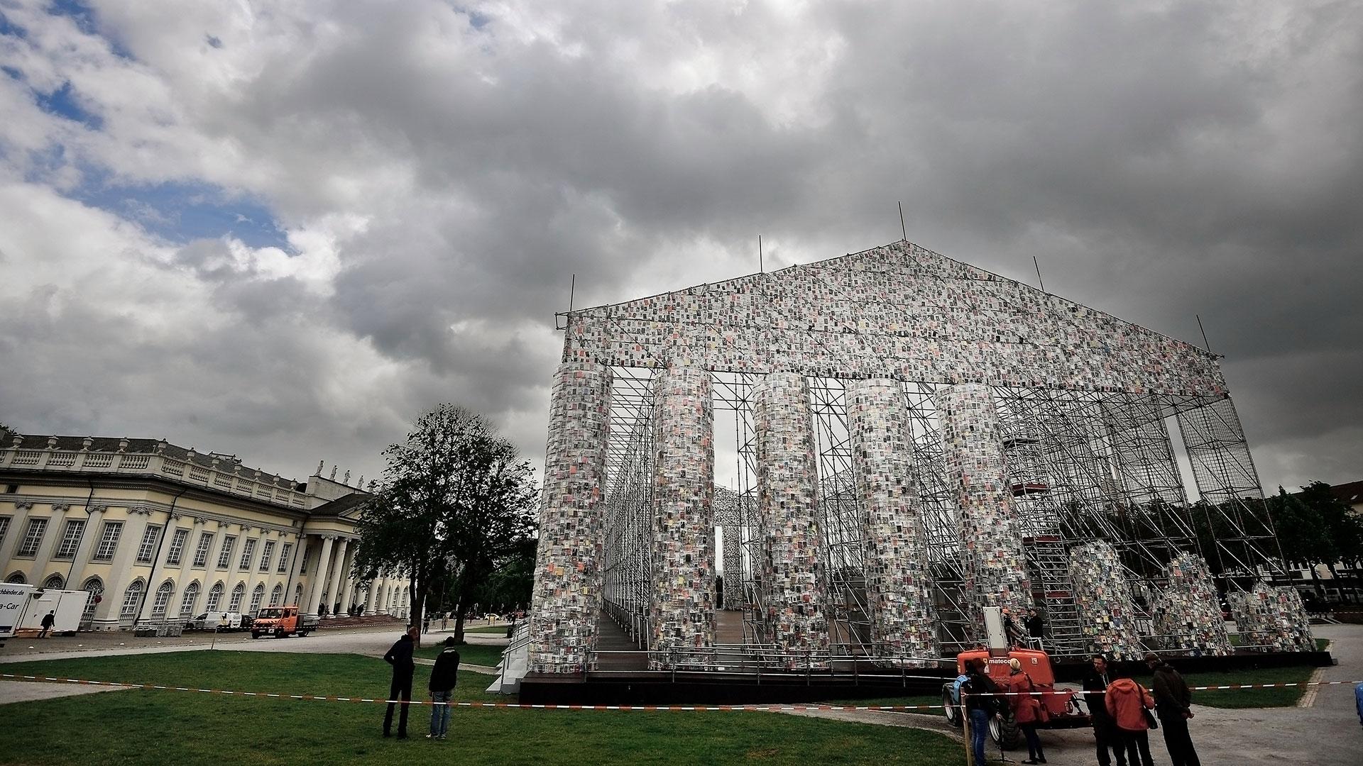 El Partenón está en la plaza Friedrichplatz, donde se exhiben siempre obras temporarias. (Getty)