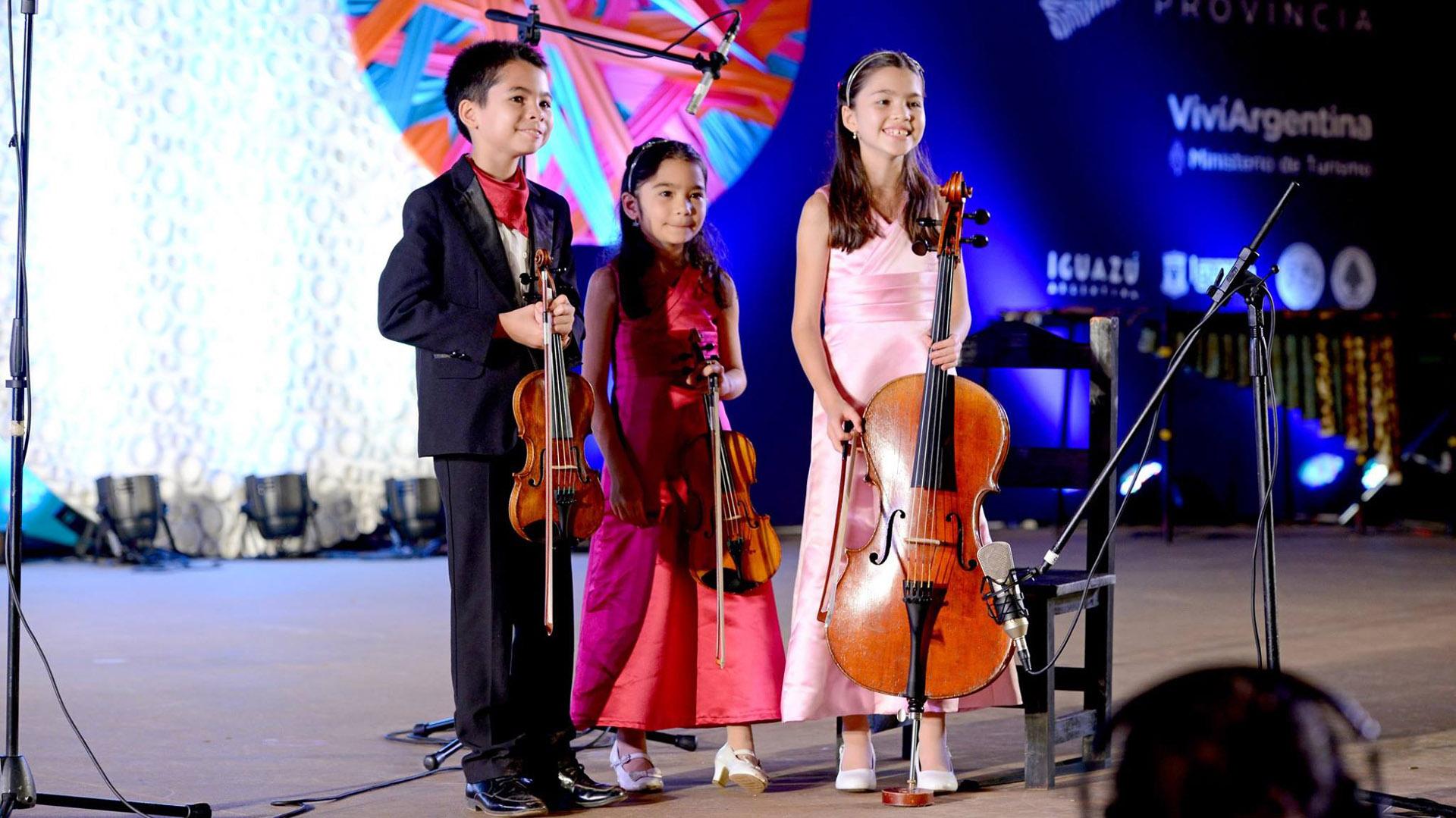 La orquesta sinfónica en su presentación en el Anfiteatro Ramón Ayala (Facebook/Iguazu en Concierto)