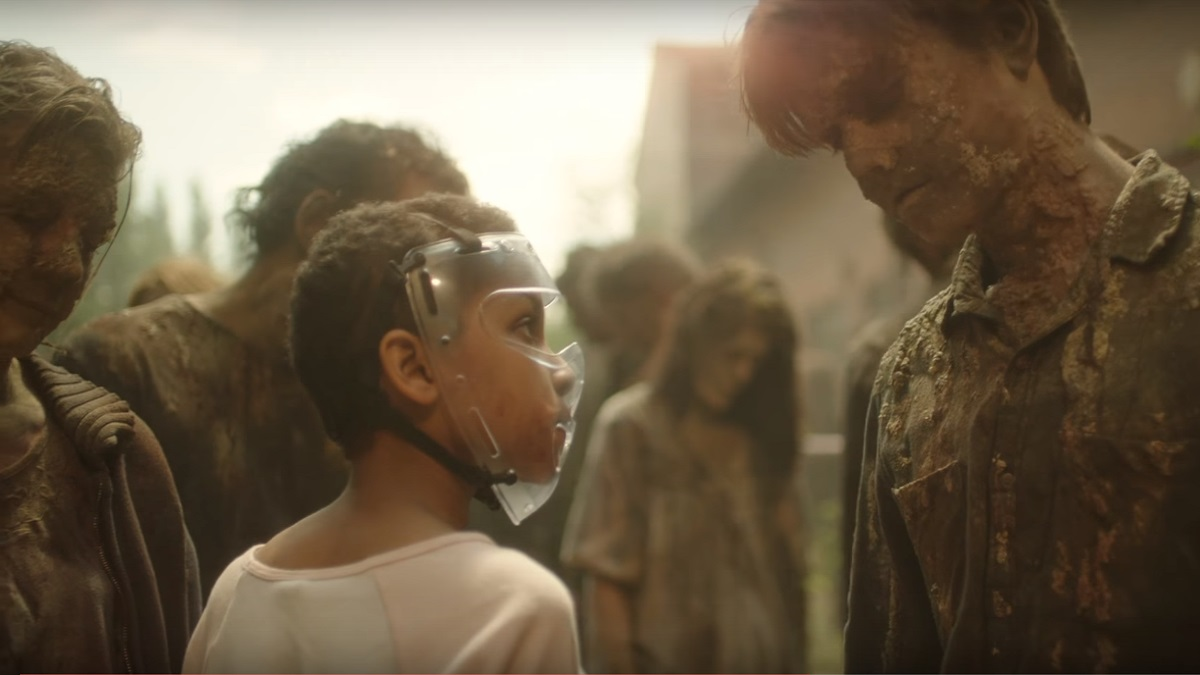 El escritor Mike Carey tiene una breve escena en la película, en el papel deun zombie.
