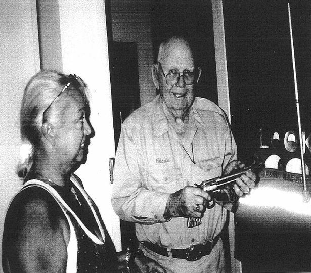 Charles Fogus, el ayudante del sheriff del pueblo, dio las declaraciones a una entrevista en 1999 (Irena Scott/The Mirror)