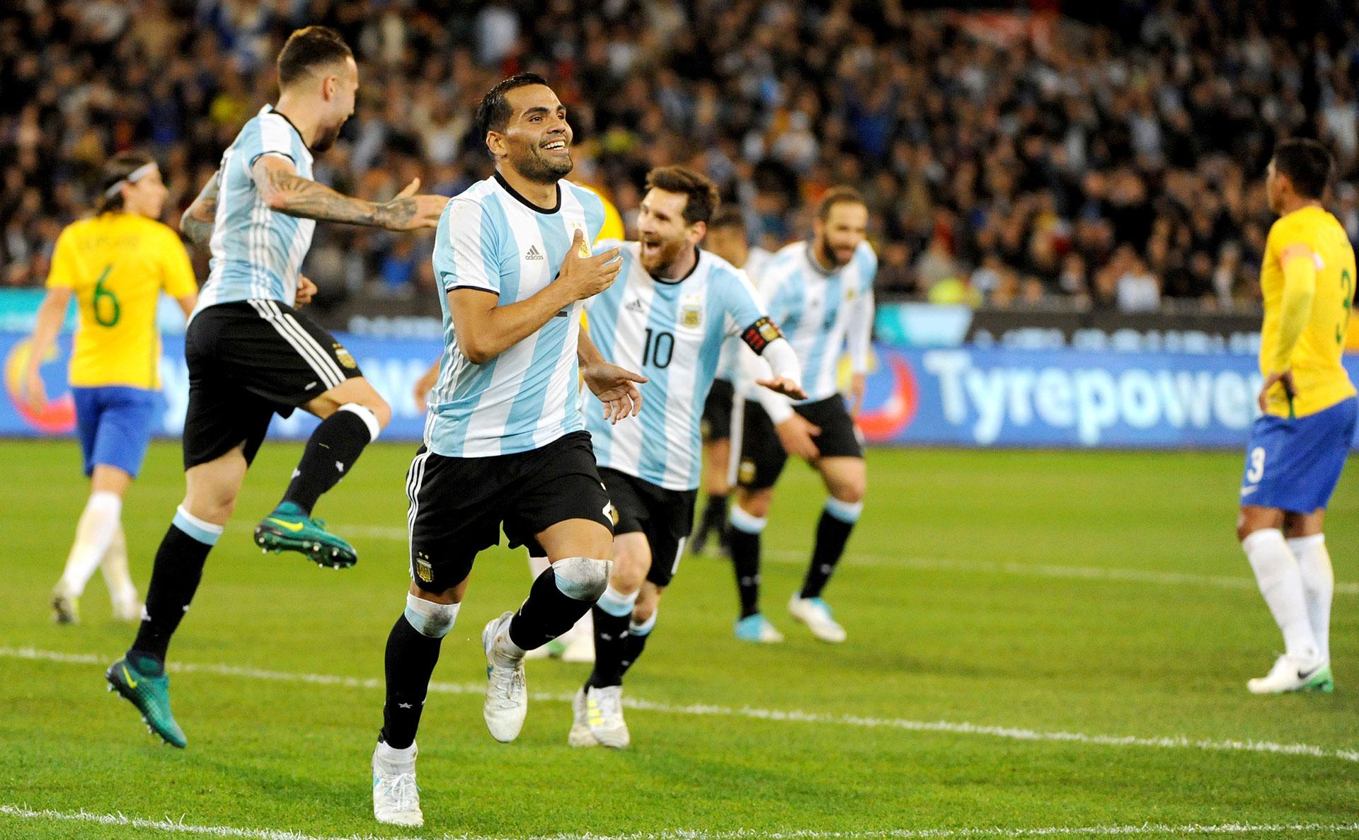 Con un gol de Gabriel Mercado, la selección argentina se impuso ante Brasil 1-0 en Melbourne