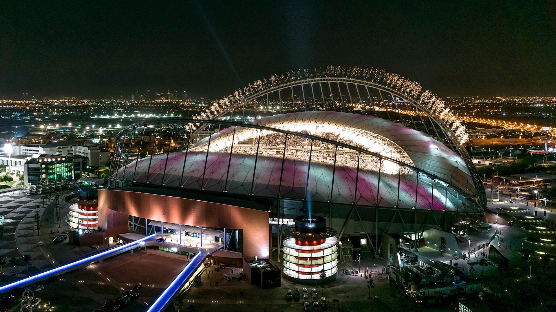 Uno de los estadios que prepara el emirato para el Mundial de Fútbol de 2022 (Getty)