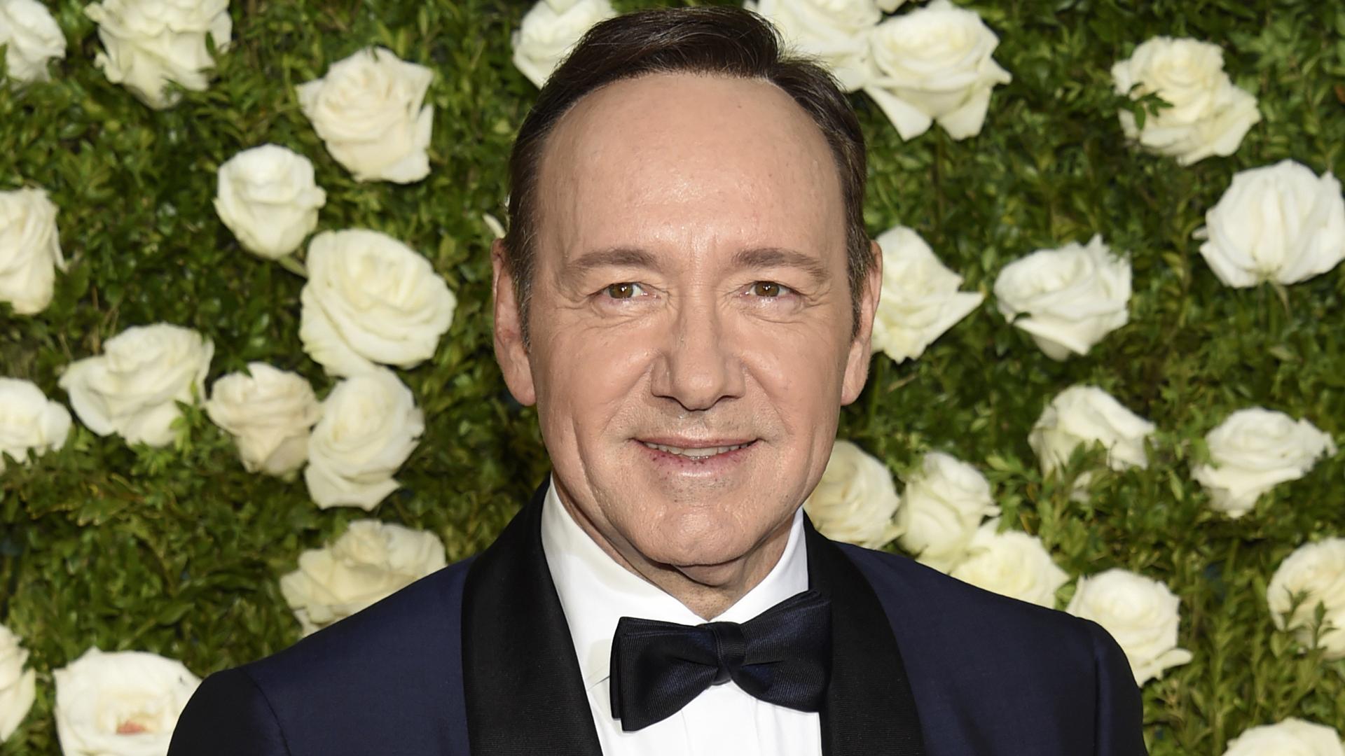 Kevin Spacey revela ser homosexual tras ser acusado de acoso