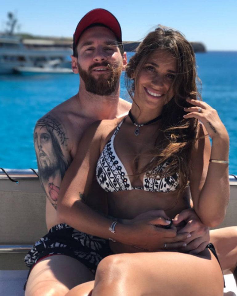 Las playas de Ibiza fueron las elegidas por la familia Messi para descansar luego de una temporada. En familia y con amigosrealizaron su despedida de solteros
