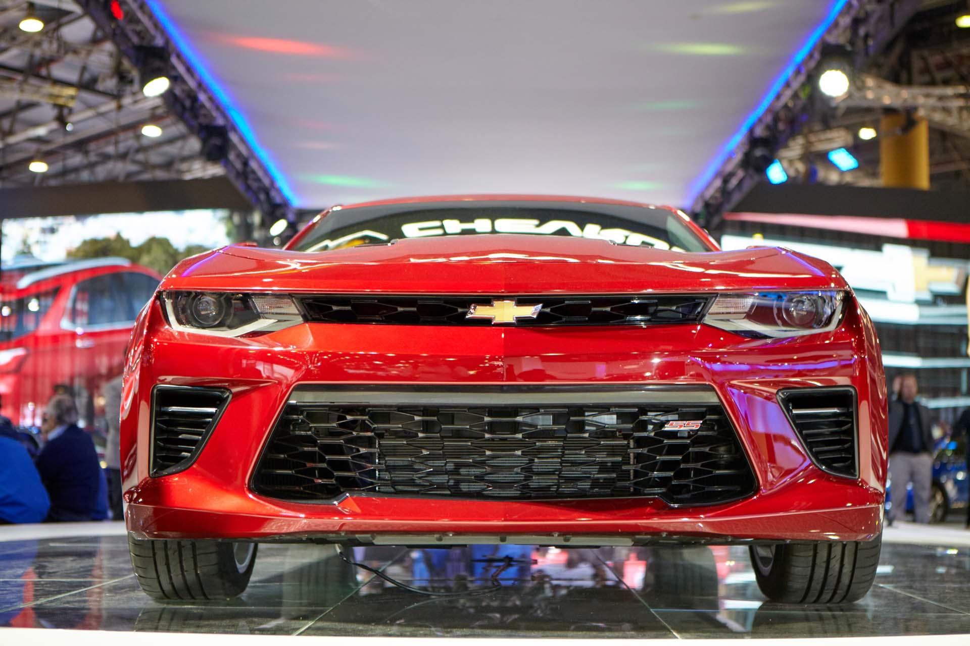 El Chevrolet Camaro SS llegó a la Argentina y fue presentado en el Salón Internacional del Automóvil (GM)