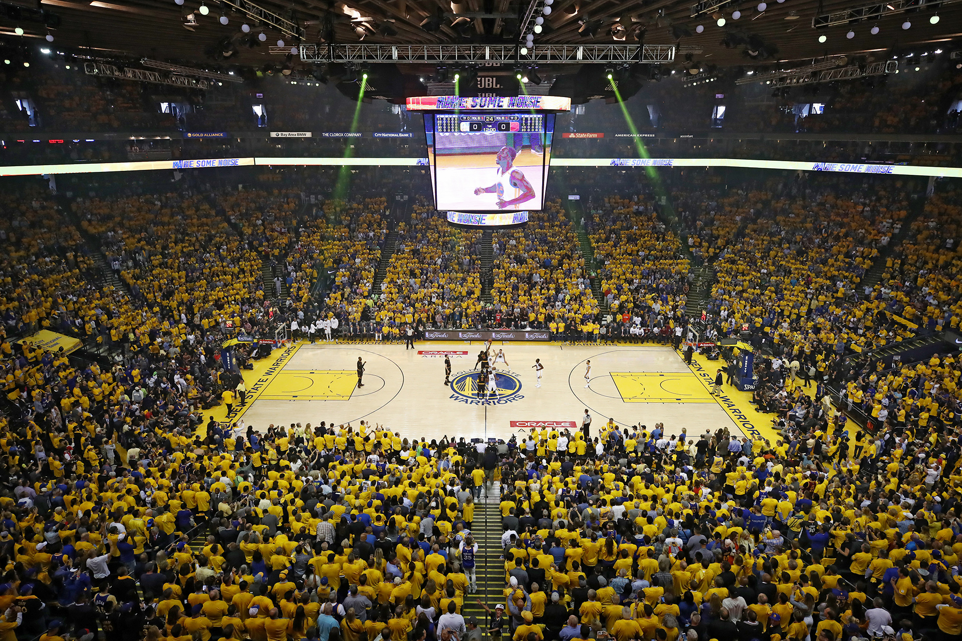 Warriors desfilaron en Oakland, presumieron título NBA