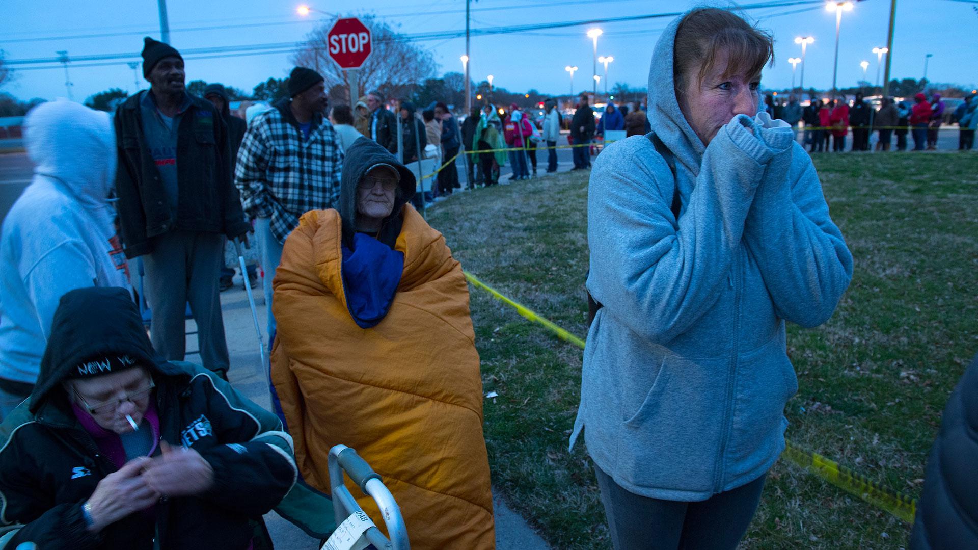Mil personas esperan su turno para ser atendidas después de años sin consultar odontólogos (The Washington Post)