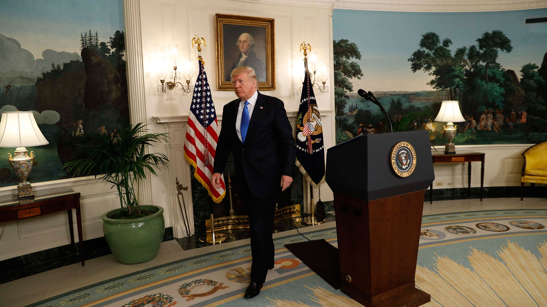 Donald Trump se contactó con el líder demócrata en el Senado para avanzar en un proyecto conjunto para el sistema de salud (Reuters)