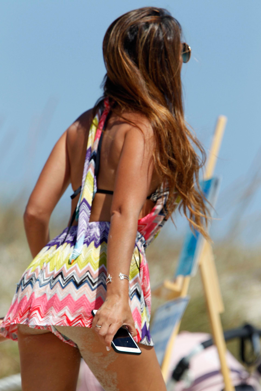 Antonella deslumbró a todos con sus curvas en la lujosa playa de Ibiza (Grosby)