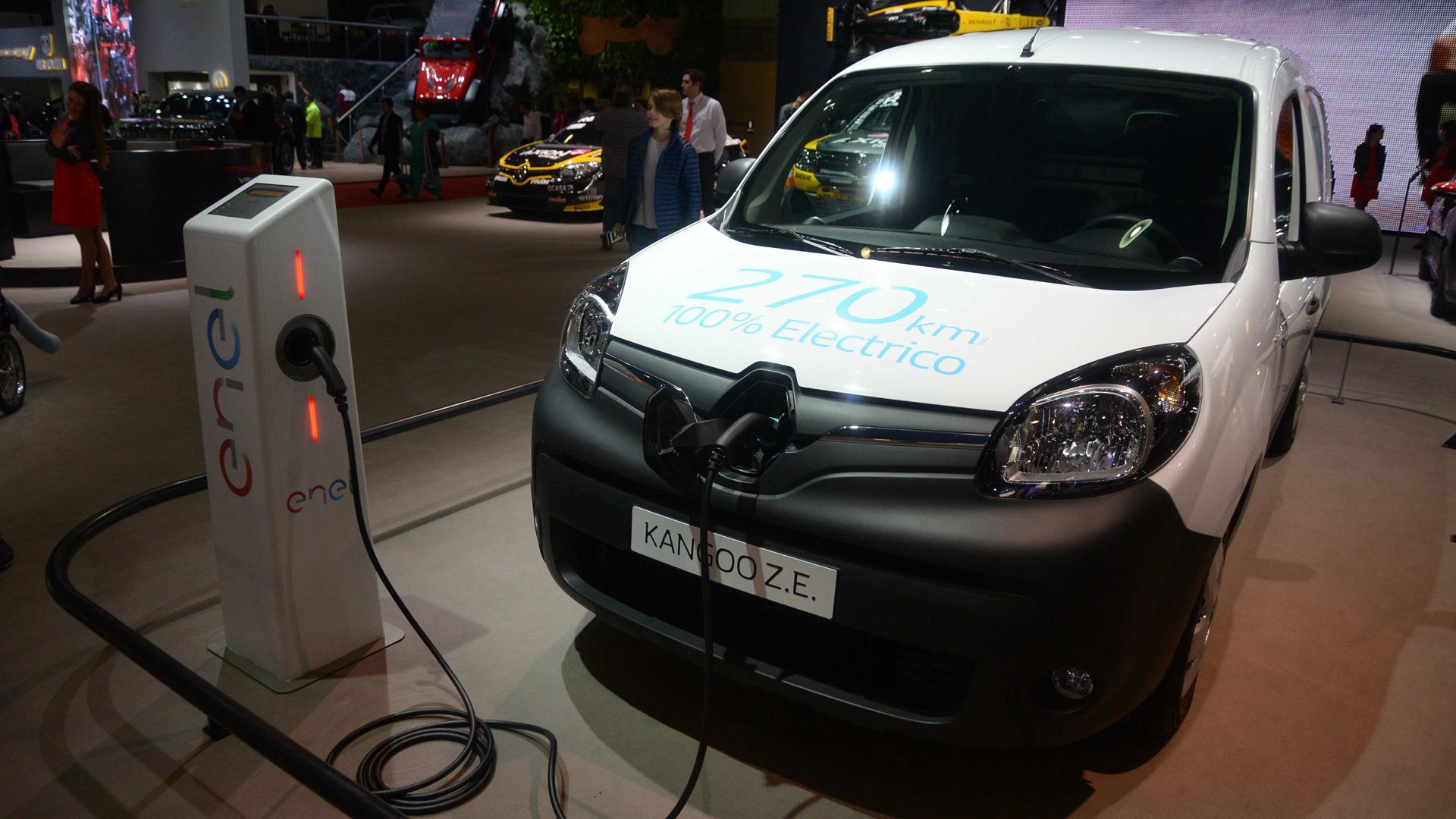 """Se denominación ZE significa """"Zero Emissions"""" y tiene una autonomía de carga de 200 kilómetros (Enrique Abatte)"""