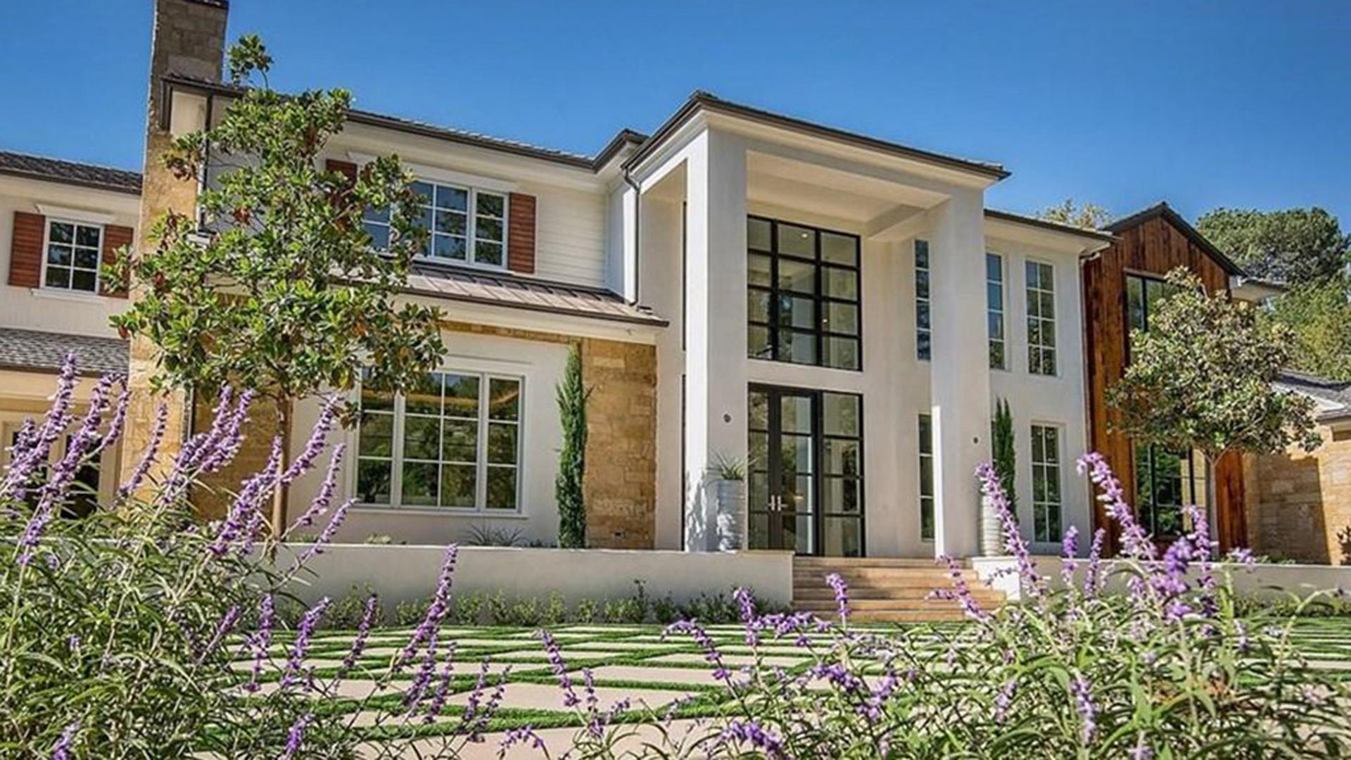 La propiedad cuenta con 12.000 metros cuadrados y una casa de huéspedes