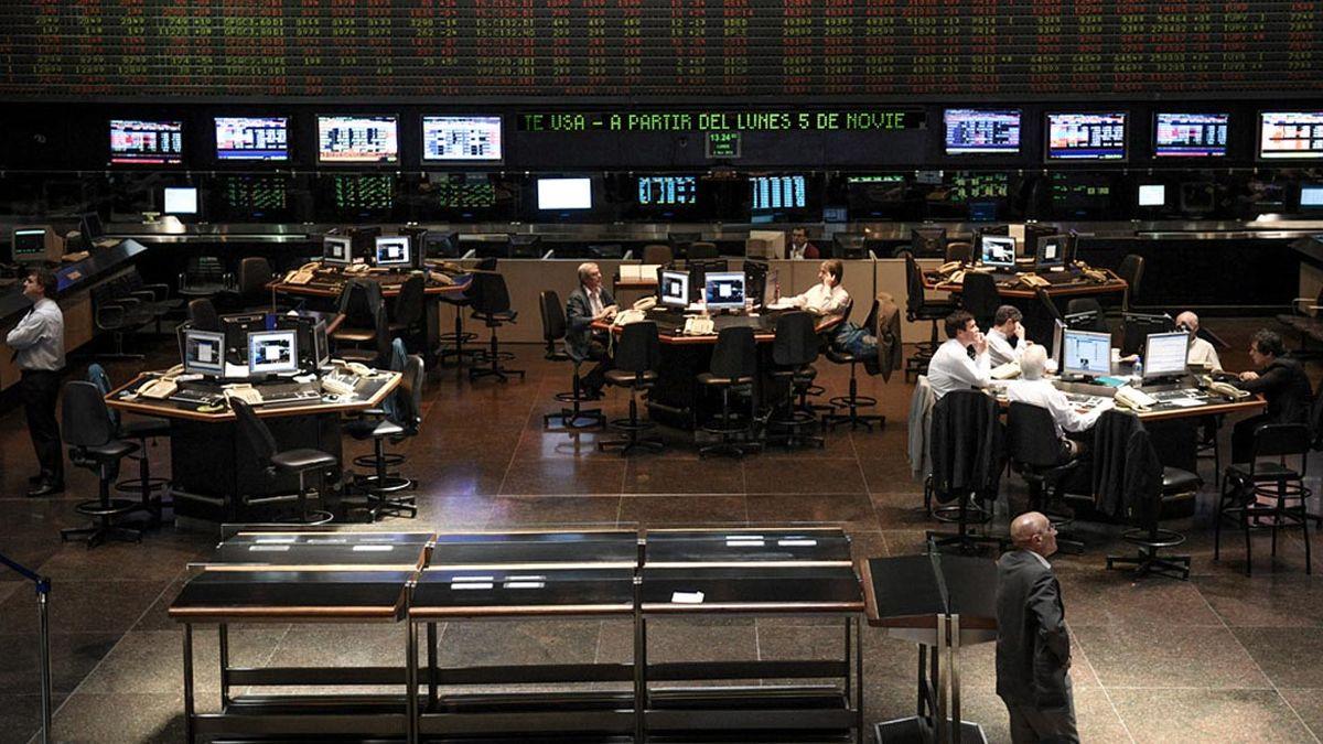 Las acciones de Central Puerto suben en Wall Street, pero se desploman en la Bolsa local