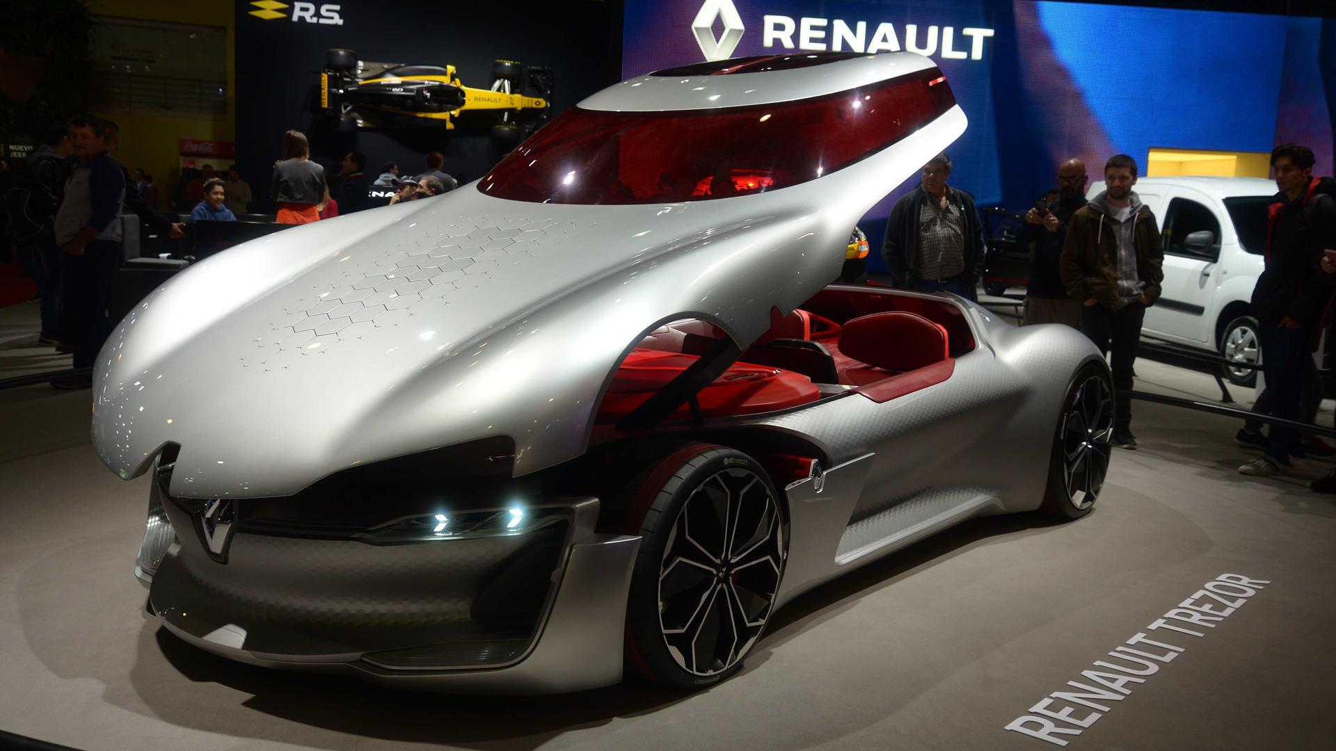 Al concept car de Renault se ingresa por el techo: su motor es 100% eléctrico (Enrique Abatte)