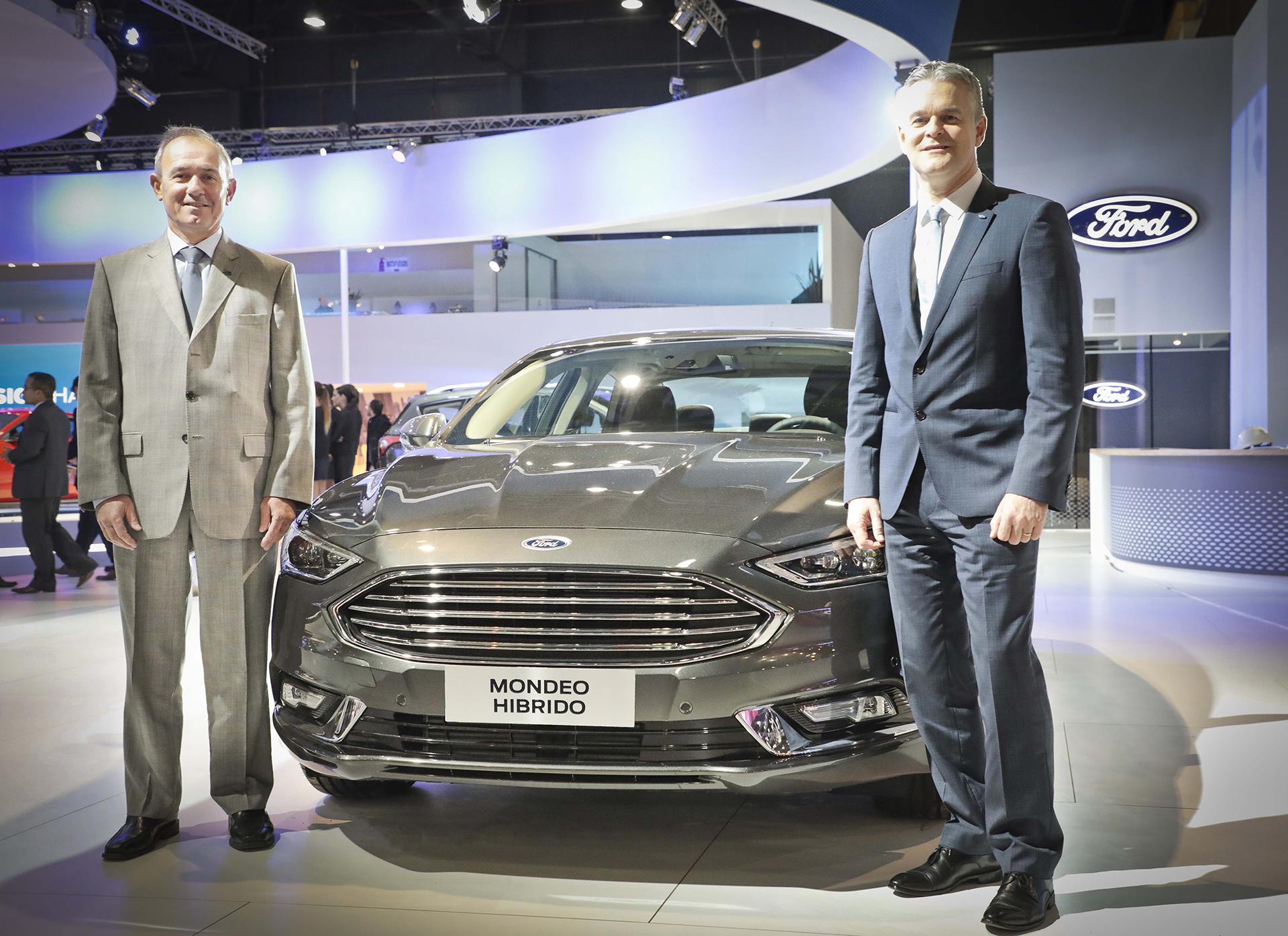 Lyle Watters, Vice Presidente de Ford Sudamérica y Enrique Alemañy Presidente de Ford Grupo Sur