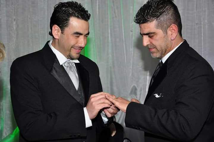 Juan Castro y Pablo López Silva durante su casamiento, en 2011.