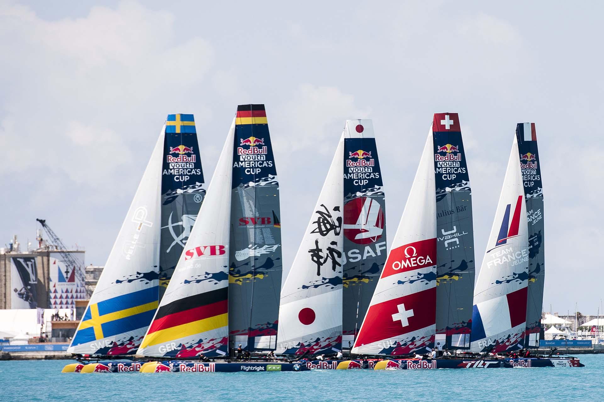 Carrera del Grupo A de la Copa Red Bull Youth America durante el día cuatro de la competencia en Hamilton, Bermuda