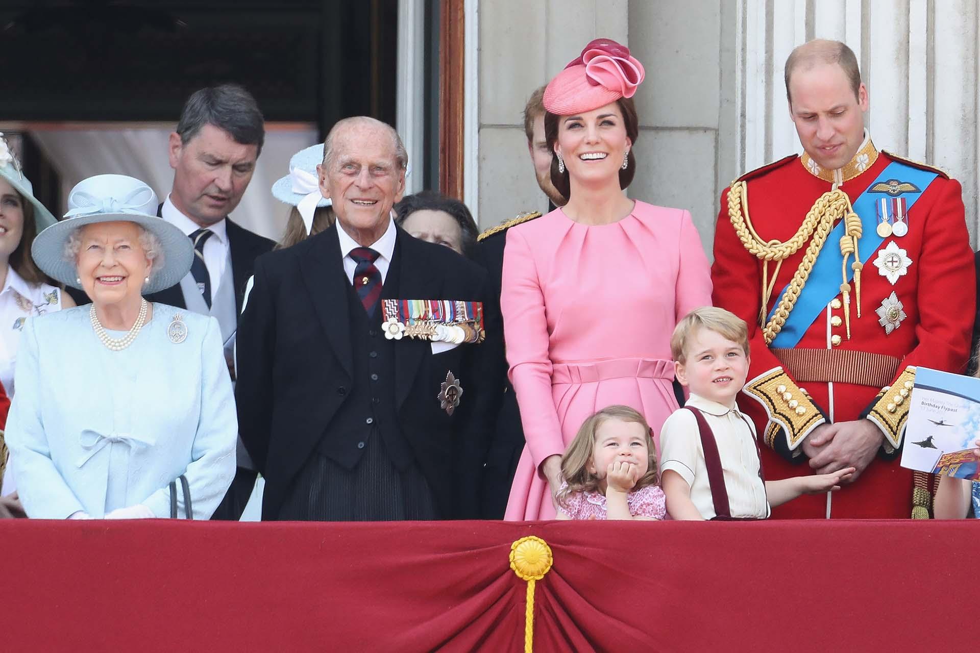 Catalina y Guillermo, duques de Cambridge, también estuvieron presentes junto a sus hijos