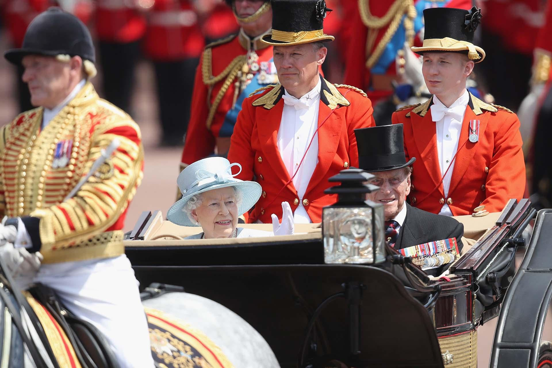 La monarca arribó a Buckingham en medio de un fuerte operativo de seguridad