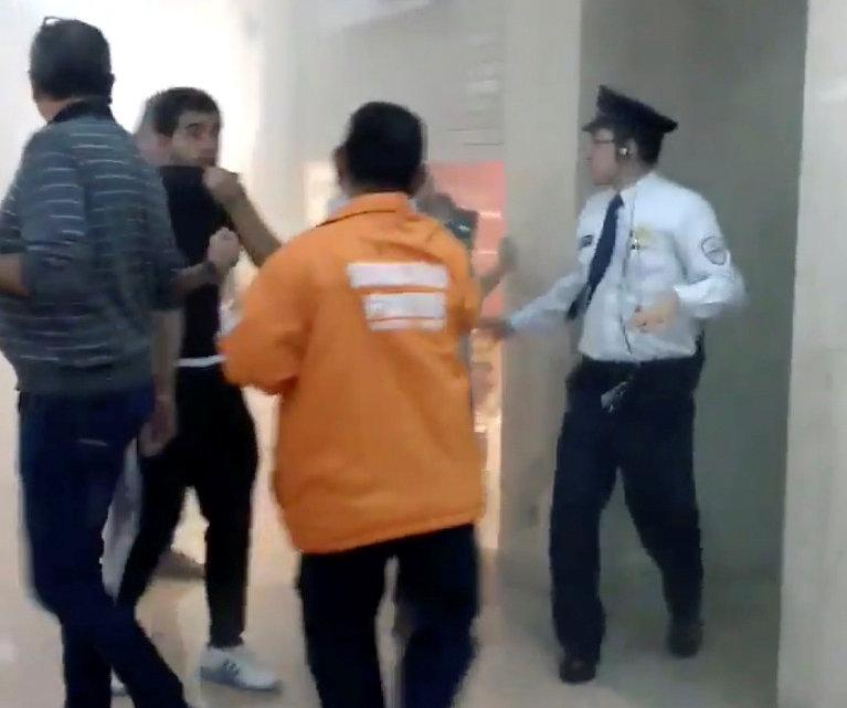 Momentos de confusión dentro del centro comercial. (Nicolas Moncada @niroel)