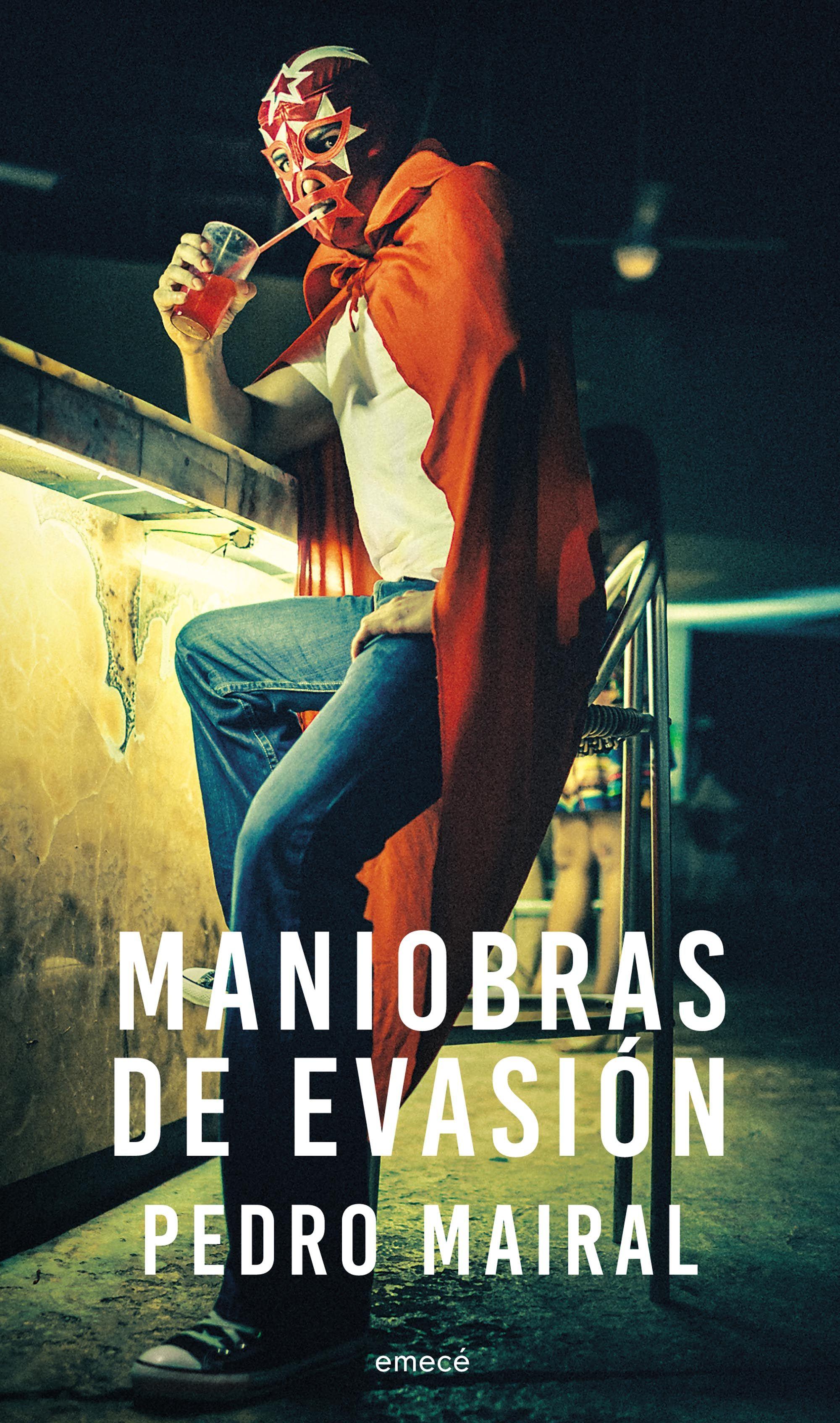 """""""Maniobras de evasión"""" reúne los textos periodísticos de Mairal"""