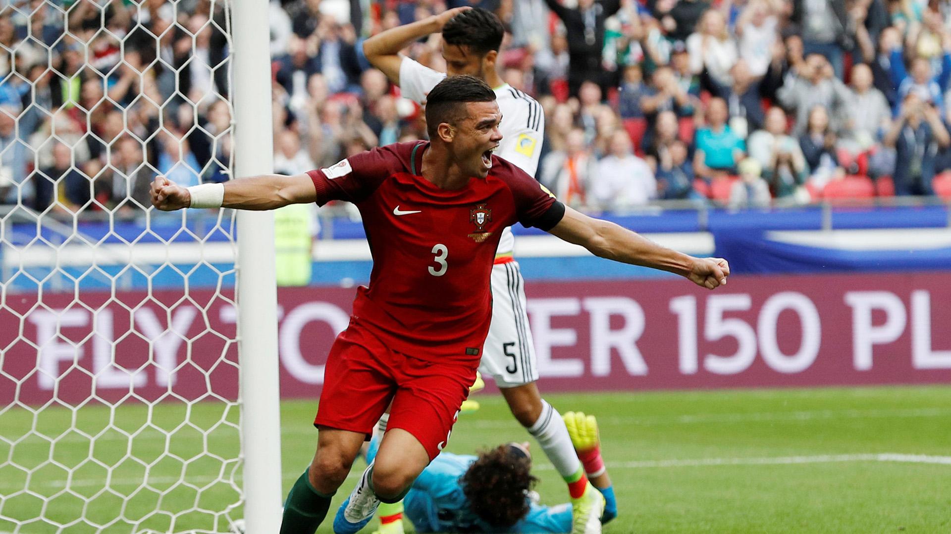 Pepe ya había festejado su gol, que luego fue anulado por el videoarbitraje (Reuters)