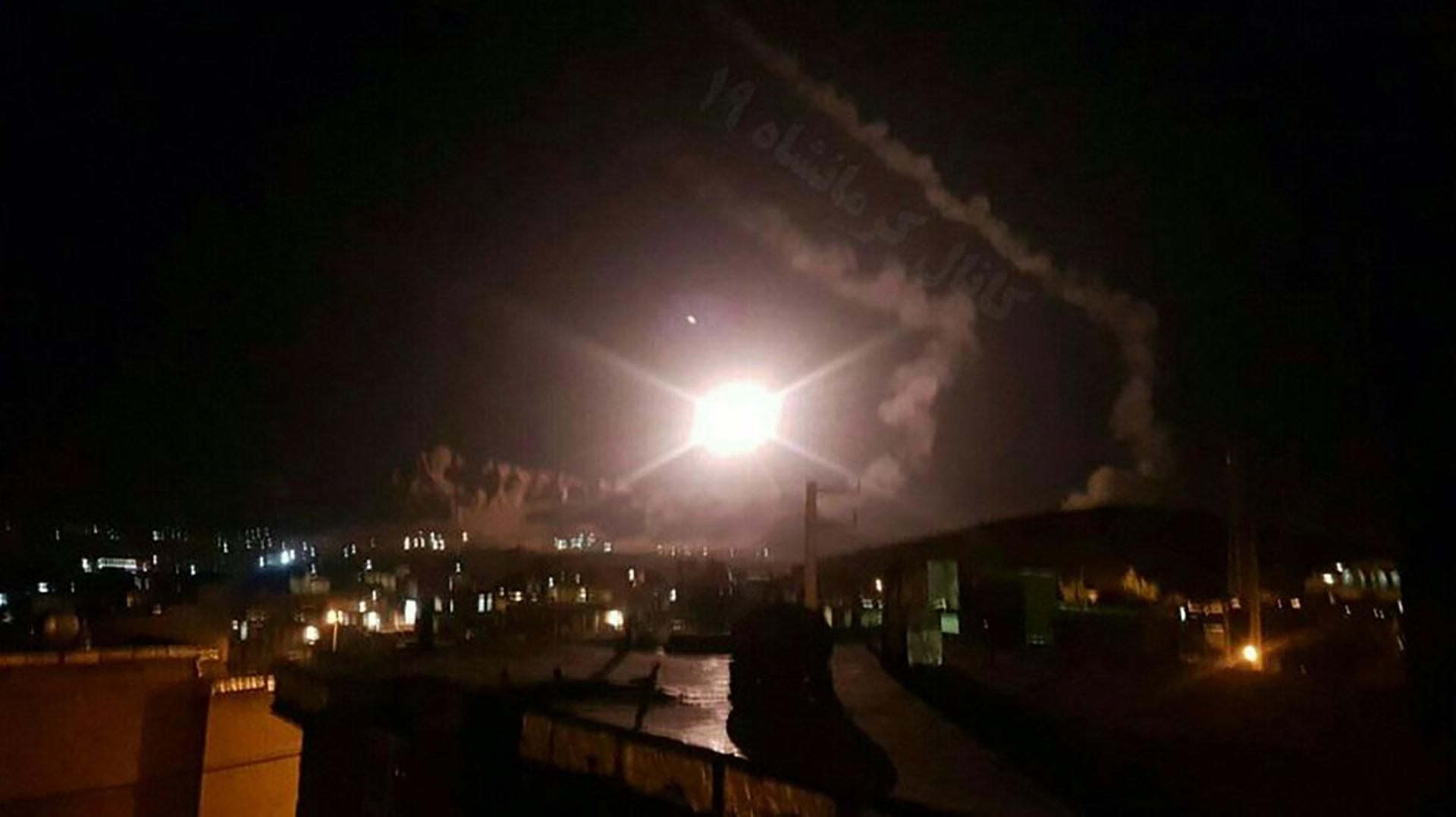 El momento del lanzamiento de uno de los misiles