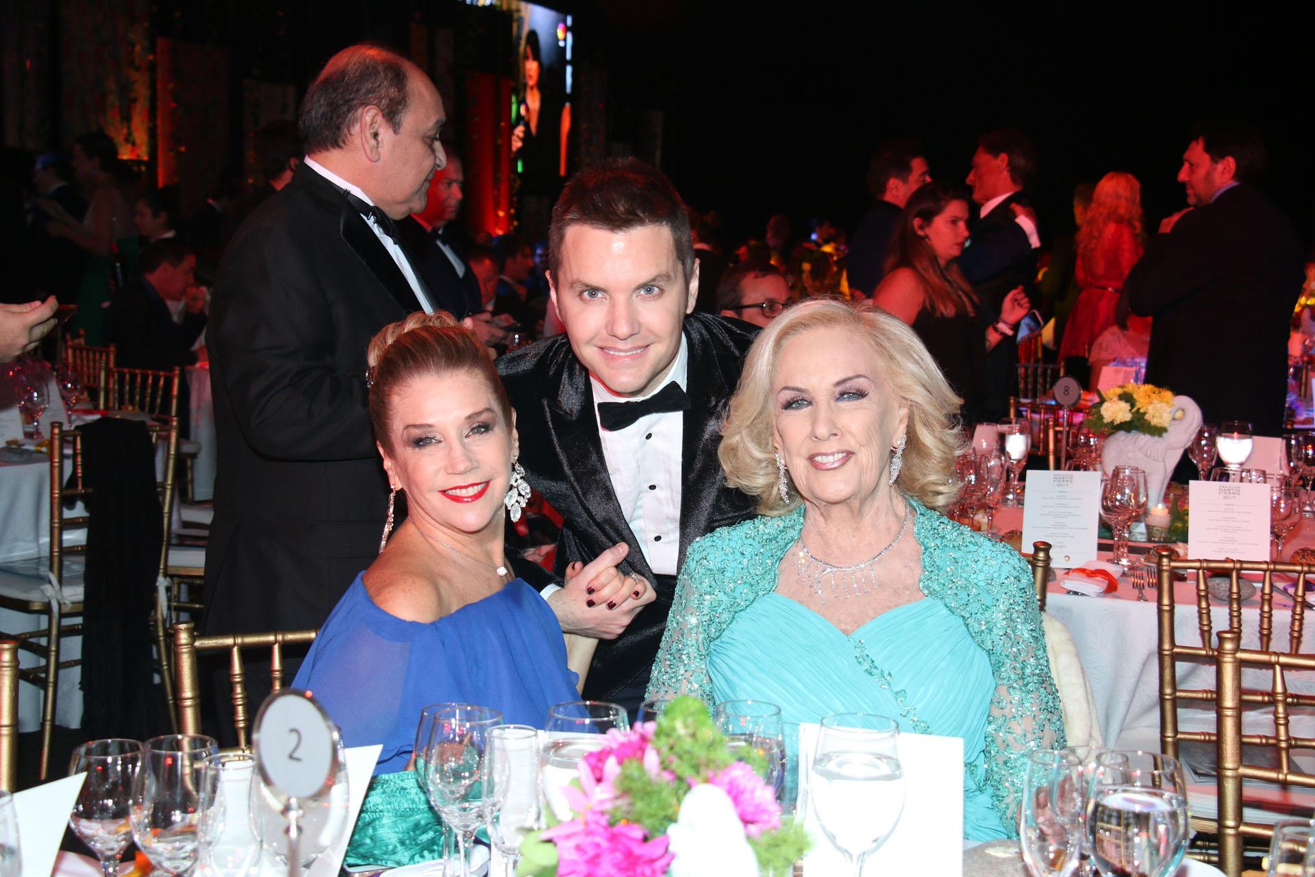 Santiago del Moro con Mirtha Legrand y Marcela Tinayre