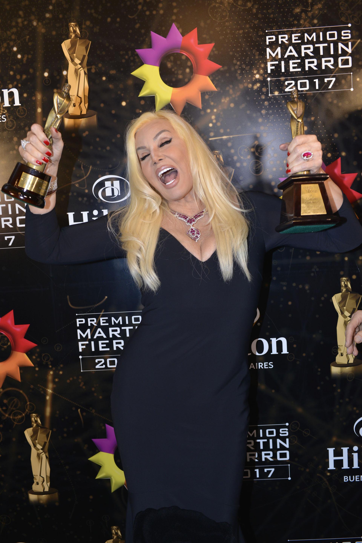 Susana festejó con mucha alegría sus premios