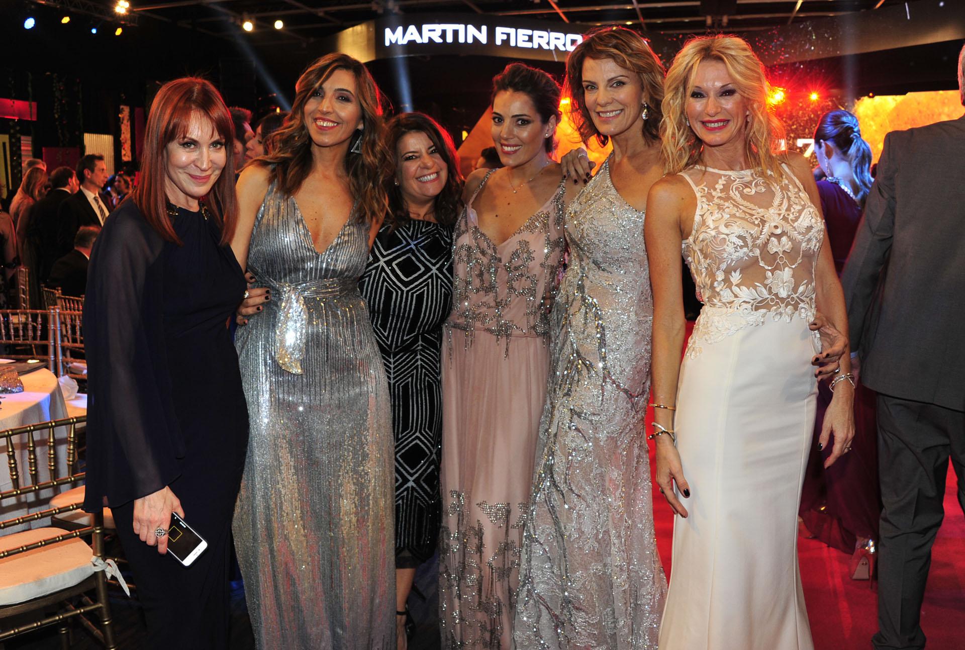 Matilda Blanco, karina Iavícoli, Andrea Taboada, Noelia Antonelli, Nequi Galotti y Yanina Latorre