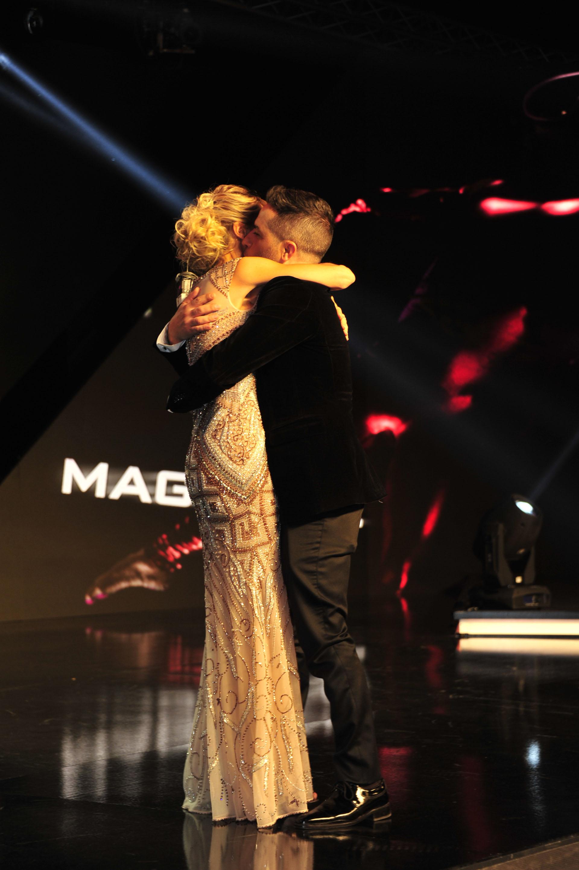 El emotivo abrazo de Mariana Fabbiani con Ángel de Brito
