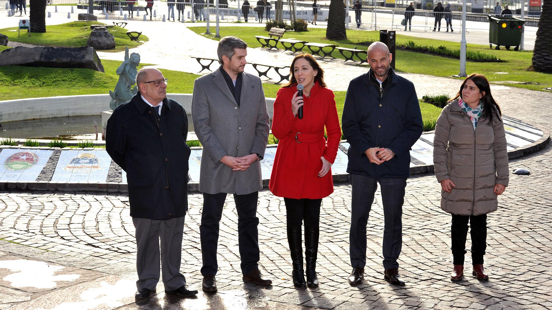 María Eugenia Vidal, junto a Peña, Dietrich y el intendente de Mar del Plata, Carlos Arroyo (Télam)