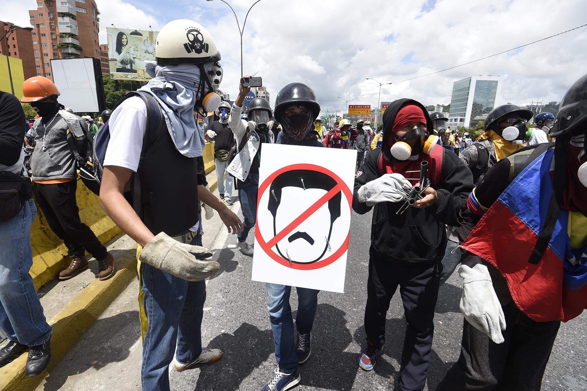 Portesta de activistas contra el régimen Nicolás Maduro en Caracas, Venezuela